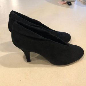 B. Street Black Suede Pumps